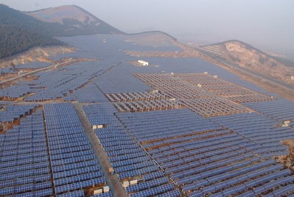 太阳能山地电站